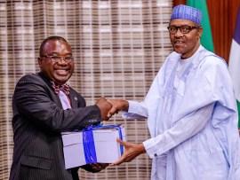 President Buhari receives report on SARS reform (Photos)