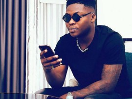 Moment Reekado Banks got embarrassed on live TV by lady who accused him of having