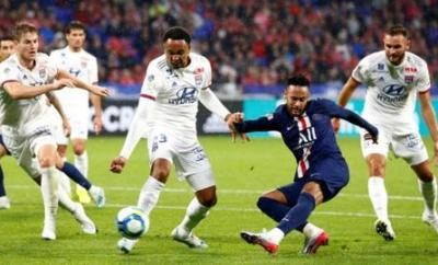 Neymar scores for Paris St-Germain