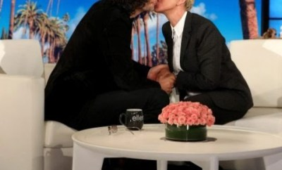 Ellen DeGeneres and Howard Stern kiss on the Ellen DeGeneres Show