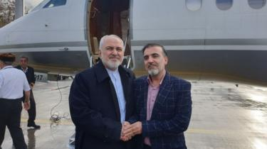 Massoud Soleimani, right, with Iranian Foreign Minister Javad Zarif after his release