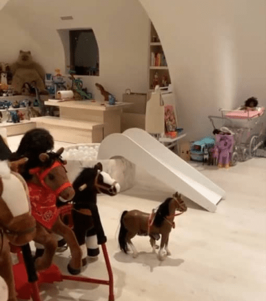 Kim Kardashian shows off her children