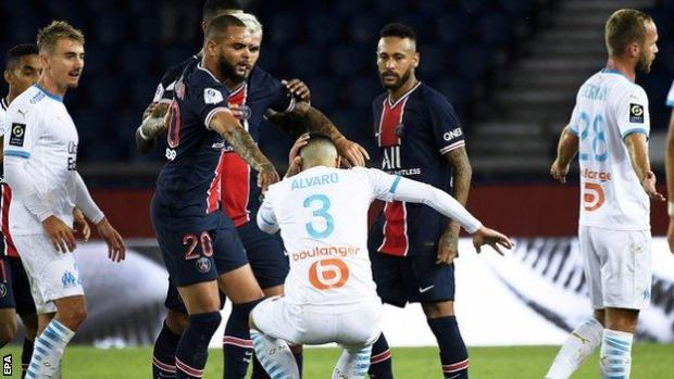 PSG and Marseille players fought deep into injury time