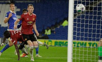 Scott McTominay heads in for Manchester United