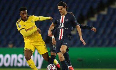 Edinson Cavani playing for PSG
