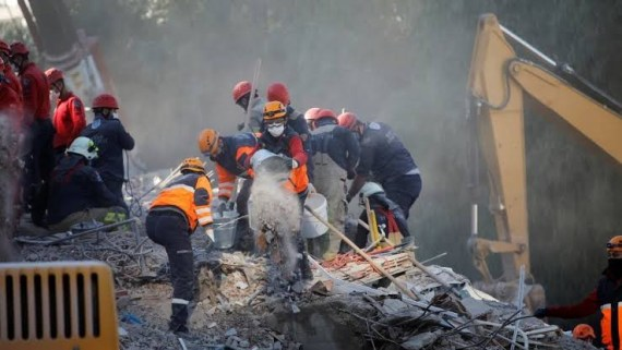 Three-year-old girl rescued alive after 65 hours trapped under rubble in Turkey earthquake (Photos)