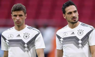 Thomas Muller (left) and