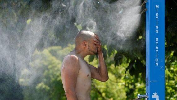Heatwave sufferer in Vancouver, British Columbia
