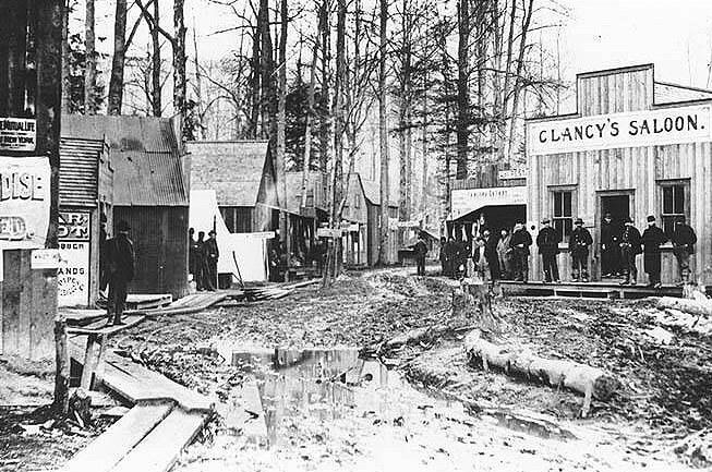 Skagway during the Klondike Gold Rush (c 1897), where Trump's grandfather set up shop