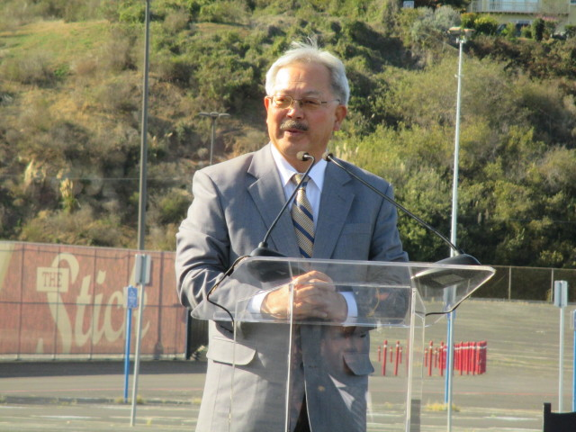 Mayor Lee says that 3,000 new jobs at the mall will help prevent displacement