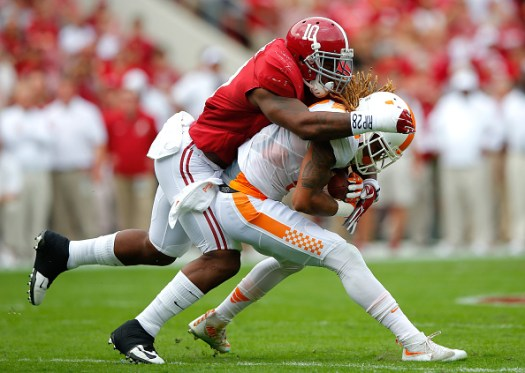 TUSCALOOSA, AL - OCTOBER 24: Reuben Foster #10 of the Alabama Crimson Tide tackles Von Pearson #9 of the Tennessee Volunteers at Bryant-Denny Stadium on October 24, 2015 in Tuscaloosa, Alabama. (Photo by Kevin C. Cox/Getty Images)