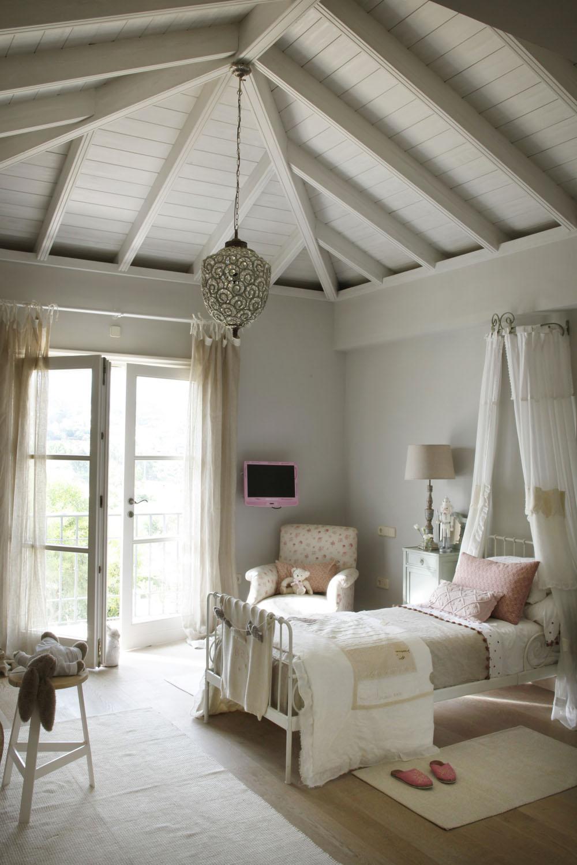 Classic Style Interior Design in White and Beige  4BetterHome