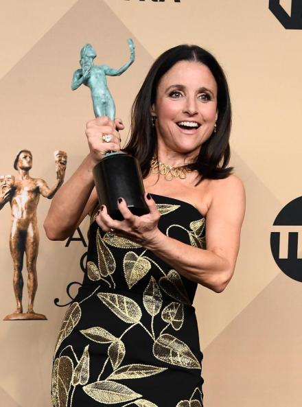 julia louis dreyfus SAG Recipent red carpet 4Chion Lifestyle