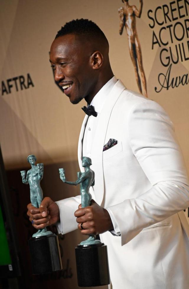 mahershala-ali-sag-recipent-4chion-lifestyle