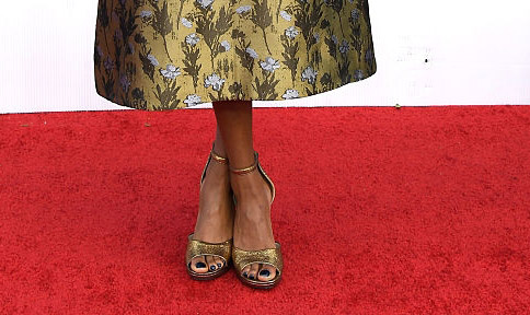 samira-wiley-sag-awards-shoes-red-carpet-4chion-lifestyle