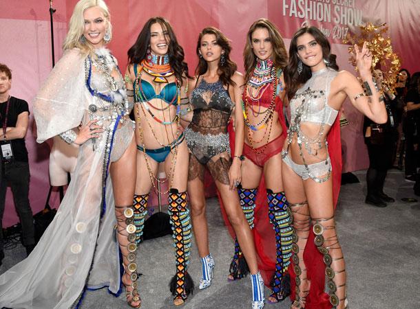 fashion-show-backstage-2017-lais-fantasy-bra-adriana-alessandra-balmain-victorias-secret 4chion lifestyle j