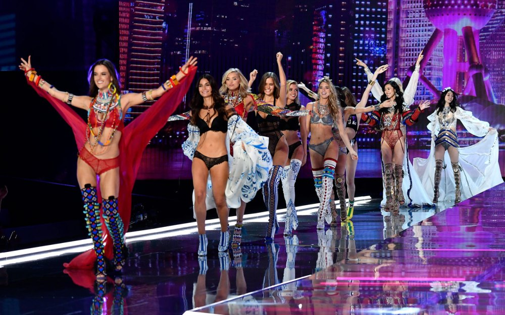 fashion-show-runway-2017-finale-1-victorias-secret 4chion lifestyle
