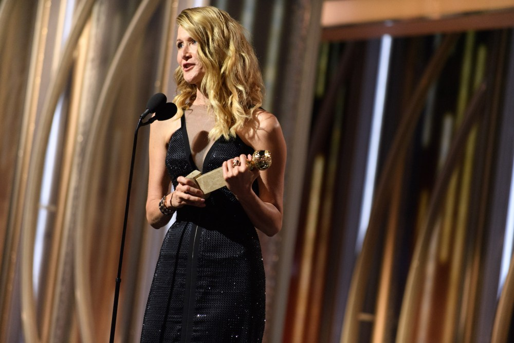 Laura Dern accepts the Golden Globe Award 4chion lifestyle