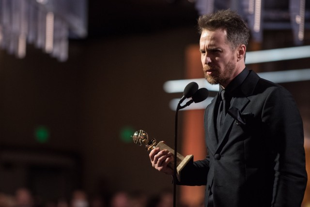 Sam Rockwell accepts the Golden Globe Award 4chion lifestyle