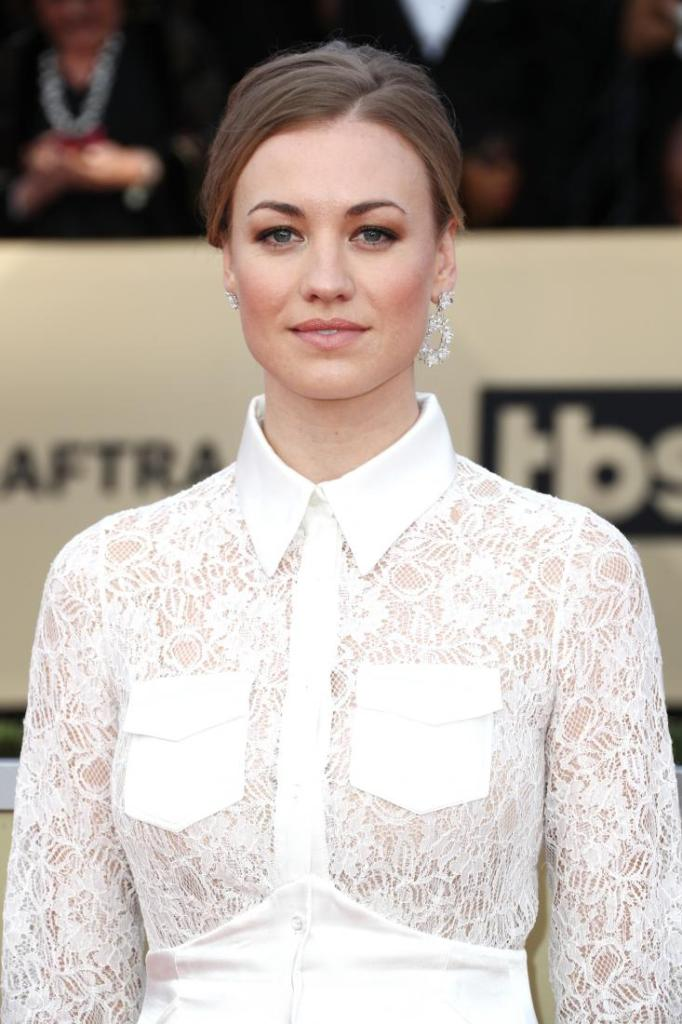 Yvonne Strahovski red carpet SAG Awards 4Chion Lifestyle