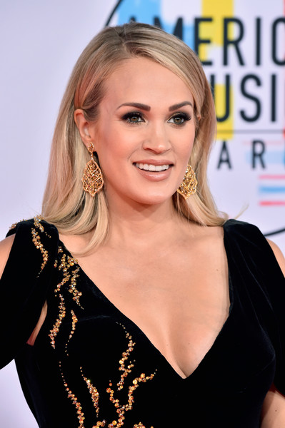 Carrie Underwood AMAs 4chion Lifestyle b