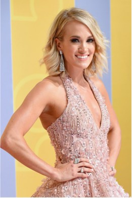 carrie-underwood-cmas-4chion-lifestyle