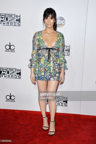 olivia-munn-amas-red-carpet-4chion-lifestyle-2