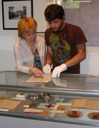 Learning with artifacts, lessons of the Holocaust © 2011, courtesy of Washington State Holocaust Education Resource Center