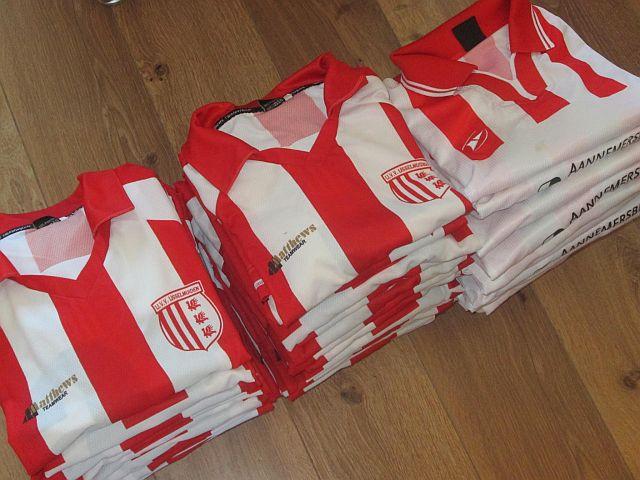 nieuwe shirtjes IJVV