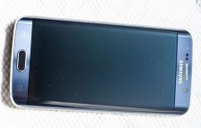 Galaxy-S6--amp-edge-scratched-by-Samsungs-Clear-View-case-5