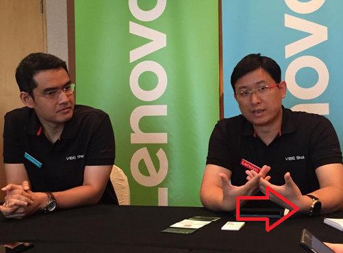 Lenovo-executive-Dillon-Ye-is-caught-wearing-the-Motorola-Moto-360-2.jpg-2