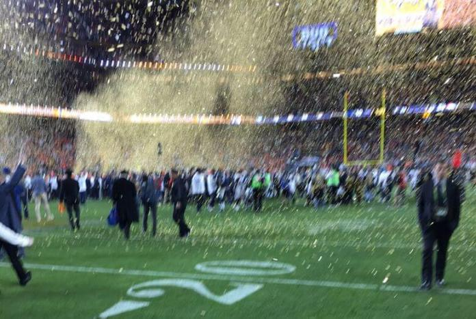 Tim-Cook-Super-Bowl