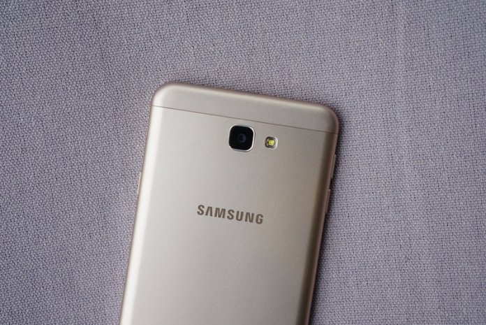 Samsungs-Galaxy-J7-Prime-in-pictures