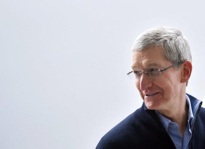 Apple iPhone X Tim Cook Samsung Huawei