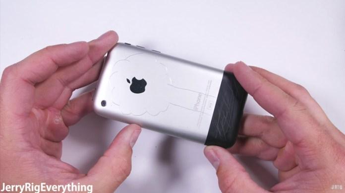Este é o primeiro iPhone