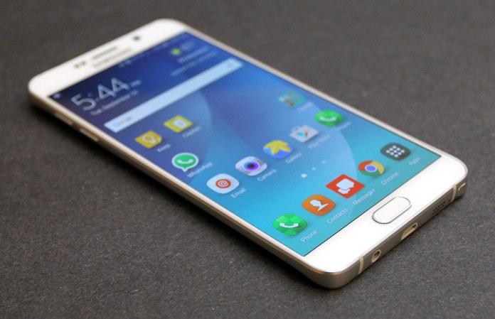 O Samsung Galaxy Note 5 está já a receber o Android Nougat na Europa