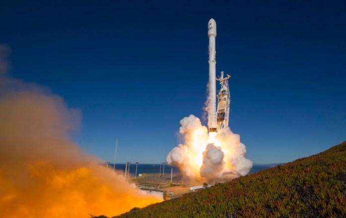 Falcon 9 | Crédito: Space X