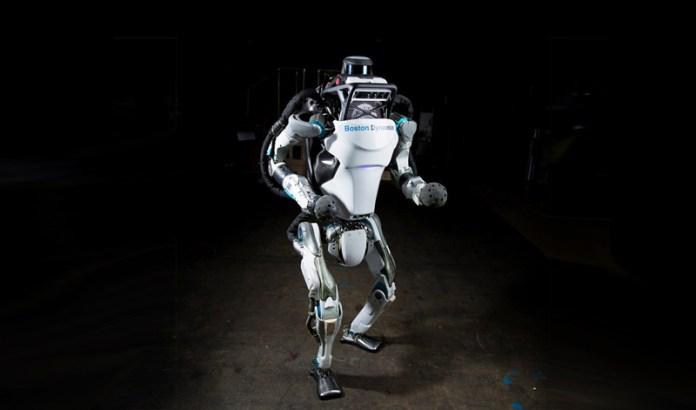 Atlas: O robô que anda, corre, salta e 'dá mortais' como os humanos