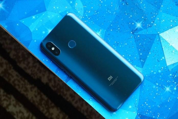 Xiaomi Mi 8: Já o podes comprar o topo de gama Android por 488€