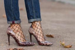 adicta_a_los_zapatosmagrit_mila_piel_piton_taupeefecto_nacaradoacharoladomedias_rejilla_jeanstendenciaimg_3389