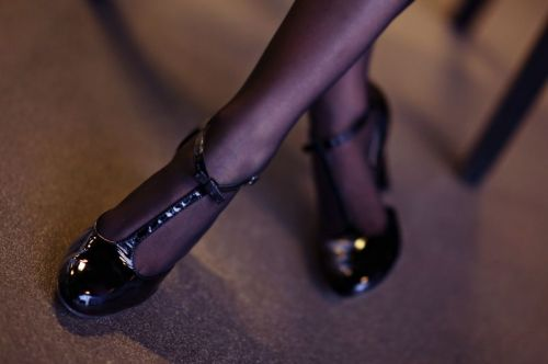 czarne-czolenka-t-strap-shoes-black