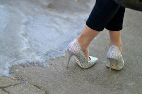 detail_high-sparkly-heels_buffalo_currently-wearing
