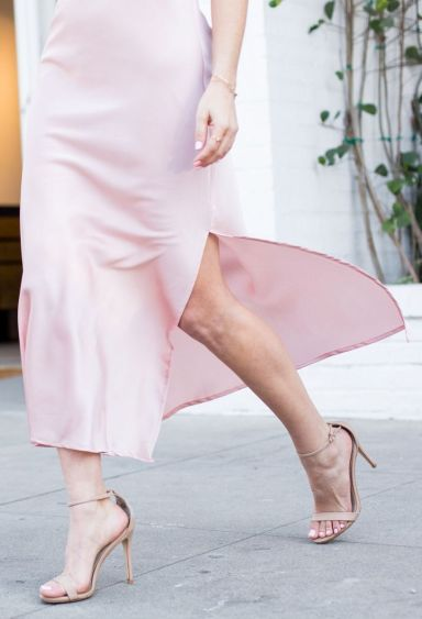 Sydne-Style-wears-Steve-Madden-nude-ankle-strap-sandals-for-affodrable-shoes-online-for-weddings
