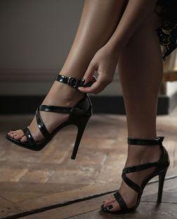 sandales-à-brides-vernie-et-talon-aiguille-blog-mode