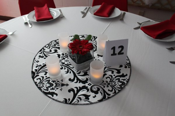 Round Wedding Table Centerpiece Ideas