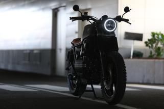 close-up-photography-of-parked-motorcycle