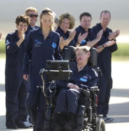 hawkingspazio2jpg - Stephen Hawking in assenza di gravità