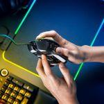 Basilisk V2 3 - Con Razer Deathadder V2 e Razer Basilisk V2 si aggiorna la gamma di mouse pro di Razer