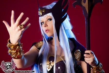 linda-cosplay-da-hilda-de-polaris-cavaleiros-do-zodiaco-por-francesca-dani-01