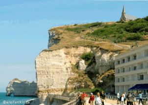 etretat-kreidefelsen-falaise d'amon-kirche